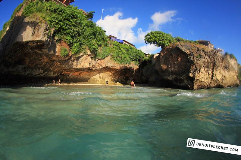 uluwatu cave